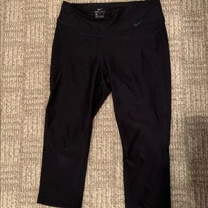 Nike drifit Capri leggings